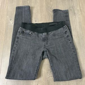 """AG 